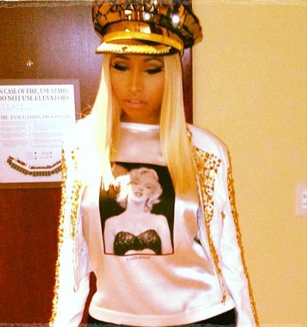 Nicki_Minaj_Dolce_Gabbana_Marilyn_Monroe_Silk_T_Shirt