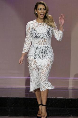 Kim Kardashian In White Lace & See-Through Dolce & Gabbana Lace ...