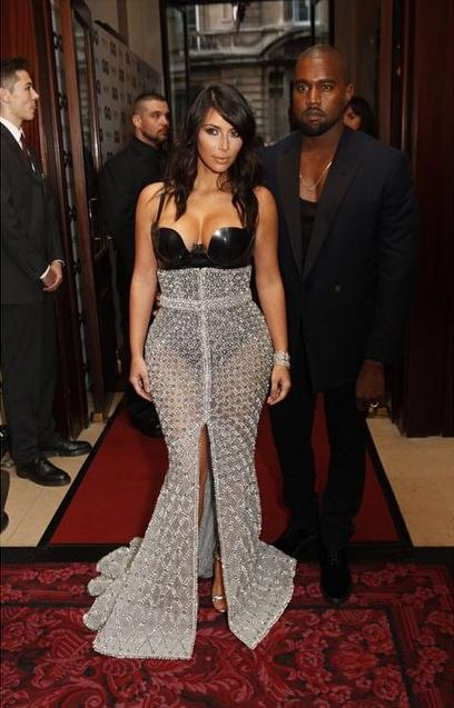 Kim-K-Kanye-Ralph-Russo-Gown-Woman-Man-of-the-Year-GQ-British